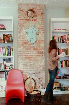 Would love to figure out where I could build an exposed brick column in our house!