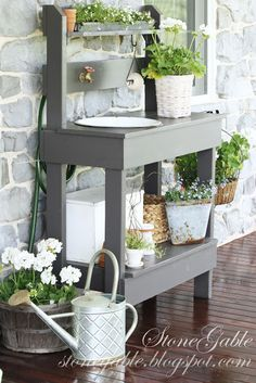 great colors and idea for potting bench