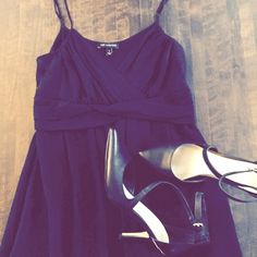 """LBD silk chiffon empire waist midi dress Black silk chiffon midi dress (with lining) from The Limited. A fairly deep faux-wrap v-neck, adjustable shoulder straps. Length hits mid-calf on someone 5'6"""". Great, classic, easy-to-wear event dress. A Line. The Limited Dresses Midi"""