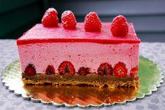 (для муссового раунда в gotovim_vmeste2) Это один из самых вкусных тортов, которые я пробовала. Нежный малиновый мусс, насыщенный шоколадный ганаш и свежие ягоды... в…