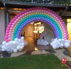 Decoration Love Rain: 80 Ideas and Step by Special Steps to Use In Your Party! Baby Girl Birthday Theme, Care Bear Birthday, Unicorn Themed Birthday Party, Rainbow Birthday Party, Unicorn Birthday Parties, Birthday Balloons, Rainbow Party Decorations, Rainbow Parties, Balloon Decorations