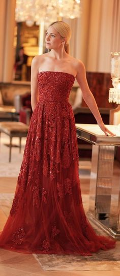 Elie Saab gown. #gowns #holidaystyle