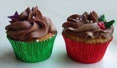 Julecupcakes med Nougat Bailey creme / Christmas cupcakes with marcipan and nougat-Bailey frosting