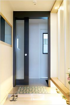 Modern Entrance, Entrance Design, House Entrance, Shoe Cabinet Design, Study Cafe, Apartment Interior, Windows And Doors, Interior Styling, Building A House