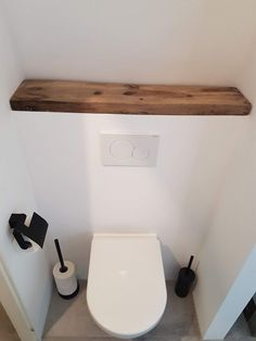 Small Toilet Decor, Small Toilet Room, Small Bathroom, Bad Inspiration, Bathroom Inspiration, Wc Decoration, Downstairs Toilet, Toilet Design, Workspace Design