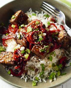 Als je denkt dat tofu weinig smaak heeft, dan heb je dit heerlijke gerecht nog niet geprobeerd! Lekker kruidig en krokant gebakken tofu met frisse gember, yum!