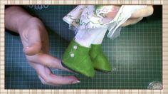 En este vídeo aprenderemos a hacer una sencillas botas para nuestras muñecas. El patrón lo podéis encontrar aqui: http://paninadya.blogspot.com.es/2012/05/bl...