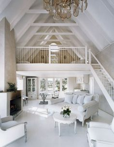 I'm loving these white furnishings... They'd be dirty in ten minutes! :(