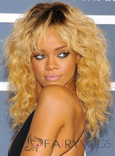View yourself with Rihanna hairstyles and hair colors. View styling steps and see which Rihanna hairstyles suit you best. Rihanna Hairstyles, Shag Hairstyles, Hairstyles With Bangs, Straight Hairstyles, Pageant Hairstyles, Hairstyles Videos, Casual Hairstyles, Medium Hair Styles, Curly Hair Styles
