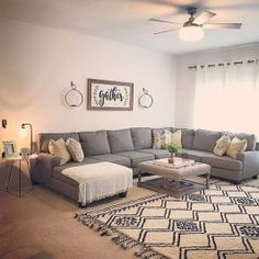 Having small living room can be one of all your problem about decoration home. To solve that, you will create the illusion of a larger space and painting your small living room with bright colors c… Elegant Living Room, Cozy Living Rooms, Home Living Room, Living Room Set Ups, Living Room With Carpet, Apartment Living Rooms, Dining Rooms, Living Room Ideas, Apartment Couch