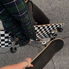 The widest variety of recent skate board outfit in stockpile now. Skate 3, Skate Girl, Skateboard Design, Skateboard Girl, Skateboard Tumblr, Skateboard Clothing, Look Hip Hop, Photographie Indie, Skater Boys