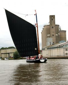Albion Wherry passing Cantley Sugar Refinery