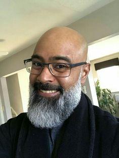 Smiley beard! Black Men Beards, Long Beards, Handsome Black Men, Beard Look, Sexy Beard, Nice Beard, Bald With Beard, Bald Men, Beard Styles For Men