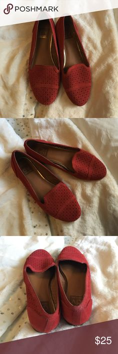 Red loafers Stylish red Dolce Vita loafers🔴 NO OFFERS 🔴 Dolce Vita Shoes Flats & Loafers