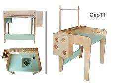Stolik dla dzieci GapT1 Stolik został pomyślany tak aby wszystkie pomoce do rysowania, malowania były na właściwym miejscu nie powodując artystycznego rozgardiaszu małego twórcy. Górny podziórkowany blat organizuje kredki, ołówki, farbki pędzle. Z prawej strony blatu znajdują się otworki na przywiązane sznurkiem kredki. W blacie głównym mamy otwór na struganie kredek a pod nim wysówaną szufladkę więcej informacji na www.lapgap.pl