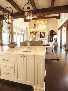 Вид на гостиную из кухни