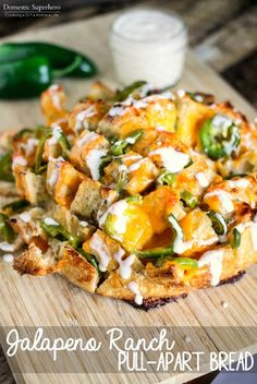 You Have Meals Poisoning More Normally Than You're Thinking That Jalapeno Ranch Pull-Apart Bread - The Cheesiest, Most Delicious Pull-Apart Bread With A Kick That You Will Ever Try Best Appetizers, Appetizer Recipes, Snack Recipes, Easy Dinner Recipes, Easy Meals, Delicious Recipes, Dinner Ideas, Party Recipes, Easy Cooking