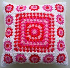 Afbeeldingsresultaat voor pink red crochet pillow squares