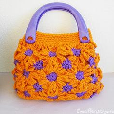 Isn't this purse just a little ray of sunshine!