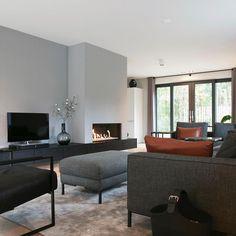 Basement Living Rooms, Home Living Room, Living Area, Living Room Designs, Living Room Decor, Modern Family House, Home Fireplace, Contemporary Interior, Home Interior Design