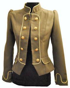 """... pasamos a la chaqueta MARQUESA y EMPERATRIZ, parte de la colección """"Aristocracia Decadente"""". Basada en el rococó de finales del siglo XVIII y a puertas ..."""