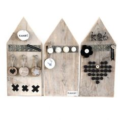 Memoboard house shape out of wood Hobbies And Crafts, Diy And Crafts, House In The Clouds, Scrap Wood Crafts, Wooden Cottage, Wooden Houses, Small Wood Projects, Idee Diy, Miniature Houses