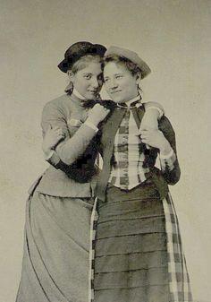 Vintage lesbians #VelvetSeduction @VSToysAndTreats Toys and Treats for Women Who Love Women