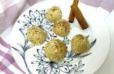 Trufas protéicas para um café-da-manhã, pré ou pós-treino low-carb! Essa receita promete deixar sua proteína incrivelmente gostosa, recheada de gorduras boas e com aquelegostinho de sobremesa que não te deixa com peso na consciência. Ingredientes 10 castanhas-do-pará; 1 scoop de proteína vegetal sabor baunilha; 2 colheres de sopa rasas de manteiga de amendoim; 1/2 colher…