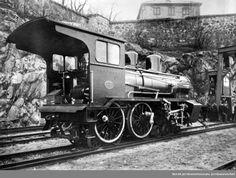 Randsfjordbanens damplokomotiv type 21a nr. 201 på Havnebanen under Akershus før transport sjøveien til Drammen @ DigitaltMuseum.no