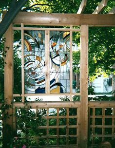 Tip: Use a stained glass panel to block an unsightly view or to create privacy in your outdoor space. Garden Privacy Screen, Outdoor Privacy, Backyard Privacy, Outdoor Landscaping, Pergola Garden, Backyard Ideas, Garden Ideas, Glass Garden, Garden Art