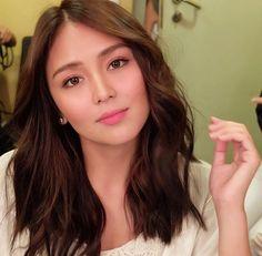 KathNiel is Love ( Kathryn Bernardo Hairstyle, Ball Makeup, Hair Color Asian, Asian Haircut, Filipina Actress, Female Portrait, Woman Crush, Medium Hair Styles, Asian Beauty