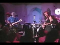 This guitar session is sick! Carlos Santana & Jerry Garcia (Get Uppa) - Aug. 2nd 1989 - Biltmore Bowl