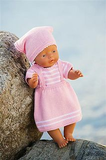 Ravelry: Nr 12 Dukkeklær pattern by Brigitte Myklebust Knitting Dolls Clothes, Knitted Dolls, Doll Clothes Patterns, Doll Patterns, Baby Born Clothes, Bitty Baby Clothes, Knitting For Kids, Baby Knitting, Crochet Baby