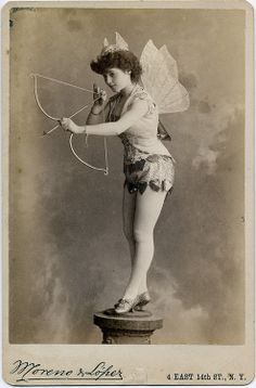 Century Vaudeville and Burlesque Performers: Eliza Blasina, From the Charles H. McCaghy Collection of Exotic Dance from Burlesque to Clubs. Burlesque Vintage, Cirque Vintage, Vintage Circus, Burlesque Music, Vintage Pictures, Old Pictures, Vintage Images, Old Photos, Vintage Postcards