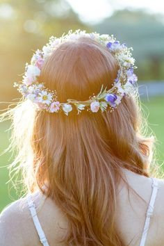 LOVE the delicate rosebuds and bits of gypsophila. Beautifully made flower crown