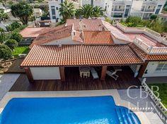 Luksusvilla på ett plan med nydelig uteområde - sentralt i Albir(S-2825)