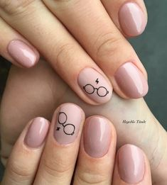 Finger Nail Designs For Spring. Nail art has turned into one of the finest fashi… Finger Nail Designs For Spring. Nail art has turned into one of the finest … Gradient Nails, Cute Acrylic Nails, Cute Nails, My Nails, Prom Nails, Stiletto Nails, Coffin Nails, Holographic Nails, Cute Simple Nails