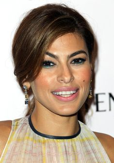 Eva Mendes #makeup#pure#cool#stylish