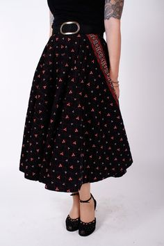 Vintage 1950s Circle Skirt Black and Red Quilted by stutterinmama $68.00