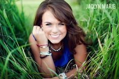 Senior photo. LOVE this idea! If I do a senior photo when I graduate this will be it! :-)