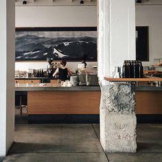 ❤️PAINEL NA PAREDE. COM AS CORES DO TETO DO LOLITA FICAVA O MAXIMO PARA A PAREDE DAS COATAS DA CERVEJARIA❤️ The Paramount Coffee Project | Sydney, Australia