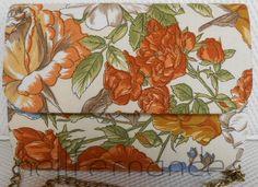 Carteira nellfernandes em algodão floral italiano com fundo areia