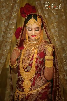 Gold Jewelry For Cheap Indian Wedding Makeup, Indian Bridal Fashion, Indian Wedding Jewelry, Indian Bridal Wear, Bridal Jewellery, Bengali Bride, Indian Bridal Lehenga, Vetement Fashion, Indian Designer Wear