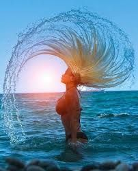 Some serious beach hair flip Beach Pictures, Cool Pictures, Cool Photos, Beautiful Pictures, Tumblr Summer Pictures, Funny Pictures, Creative Pictures, Amazing Photos, Beach Photography