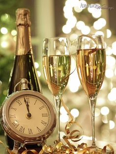 Happy new year 2017 hd wallpaper & champagne Happy New Year 2015, New Year 2017, Year 2016, Happy 2015, New Year's Eve Celebrations, New Year Celebration, Champagne Glasses, Champagne Toast, New Years Eve Party