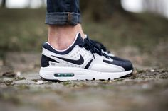 NIKE AIR MAX ZERO QS WHITE/MID NAVY-RFTBL-HYPER JADE available at www.tint-footwear.com nike air max zero 0 quickstrike the one before the one tinker hatfield sneaker sneakers tint footwear studio münchen munich