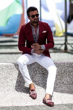 Mens Loafers outfit worth trying - Hipster Mens Fashion - Terno Casual, Terno Slim, Mens Fashion Blazer, Suit Fashion, Fashion Sale, 80s Fashion, Fashion Outlet, Fashion Spring, Paris Fashion