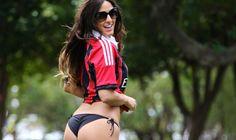 Una delle tifose rossonere più #sexy ! #ClaudiaRomani!   #Milan #rossoneri #acmilan