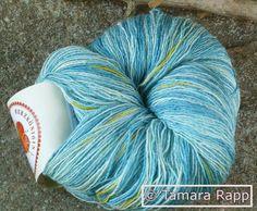 Handgesponnen & -gefärbt - Kürzlich ein Kanari - handgefärbtes Lacegarn/Seide - ein Designerstück von HerzKoenigin bei DaWanda