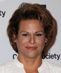 Alexandra Billings Kısa Saç Modeli